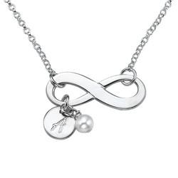 Infinity smykke med bokstavanheng i sølv produktbilde