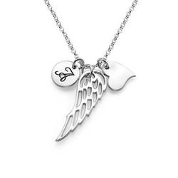 Englevinge smykke med bokstav og hjerte i sølv produktbilde