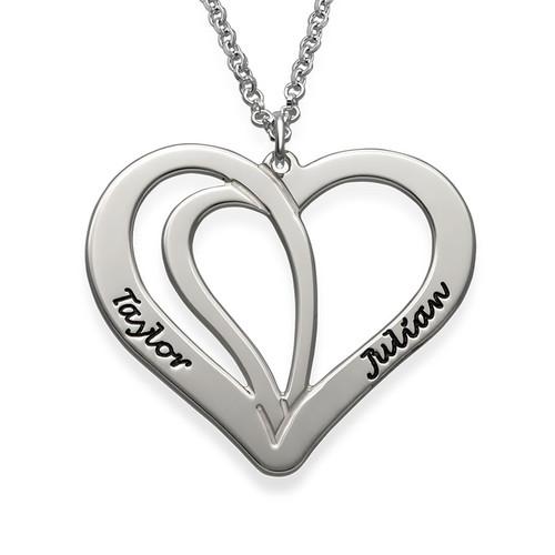 Dobbelt gravert hjertesmykke for par