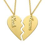 Gravert hjertesmykke til par med matt gullbelegg