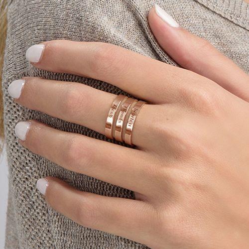 Tre ringer med navn i rosegullbelegg - 4